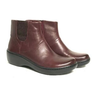 Clarks leather ankle boot